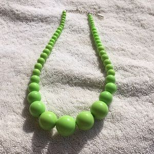 Light green chunky vintage necklace